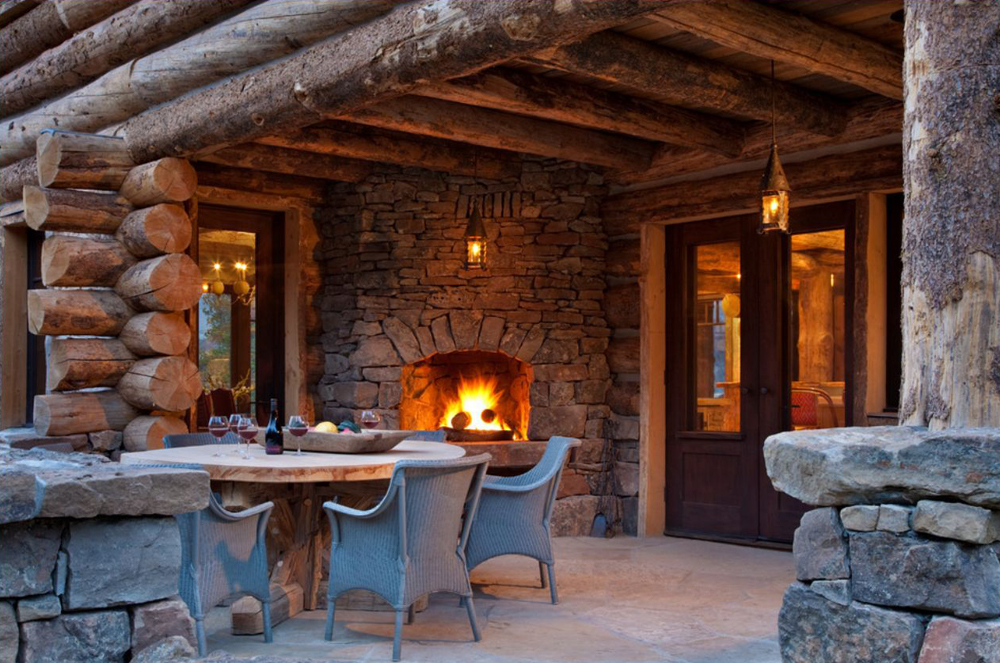 Rustic design ideas canadian log homes for Log cabin fireplace designs