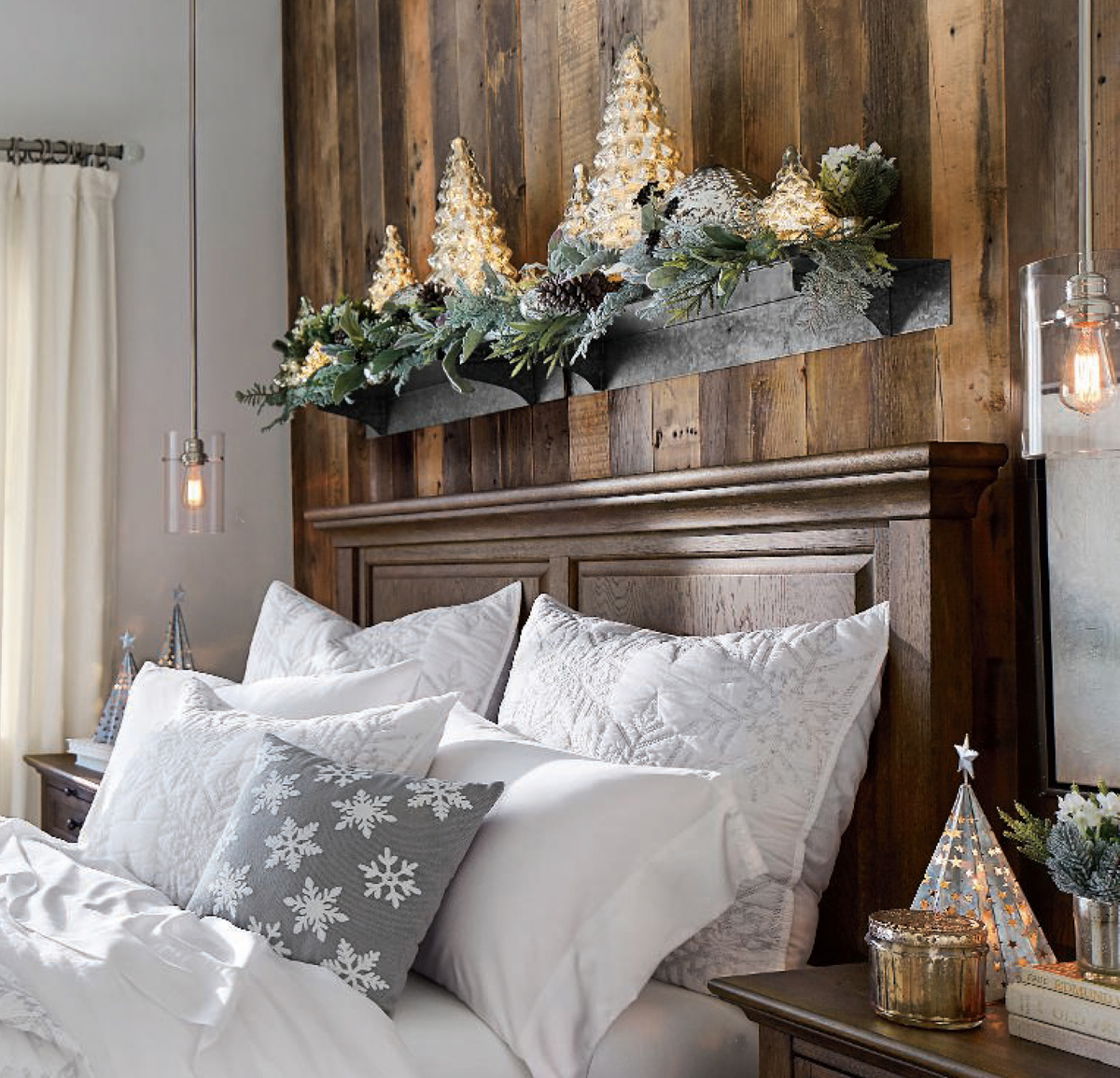 25 Bedroom Design Ideas For Your Home: Rustic Christmas Decorating Ideas