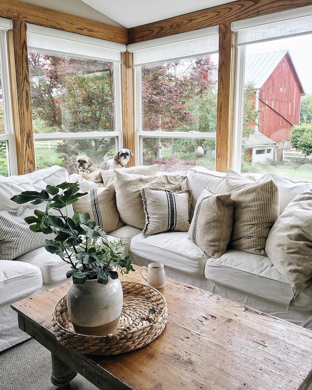 Liz Marie | Country Decorating | Living Room