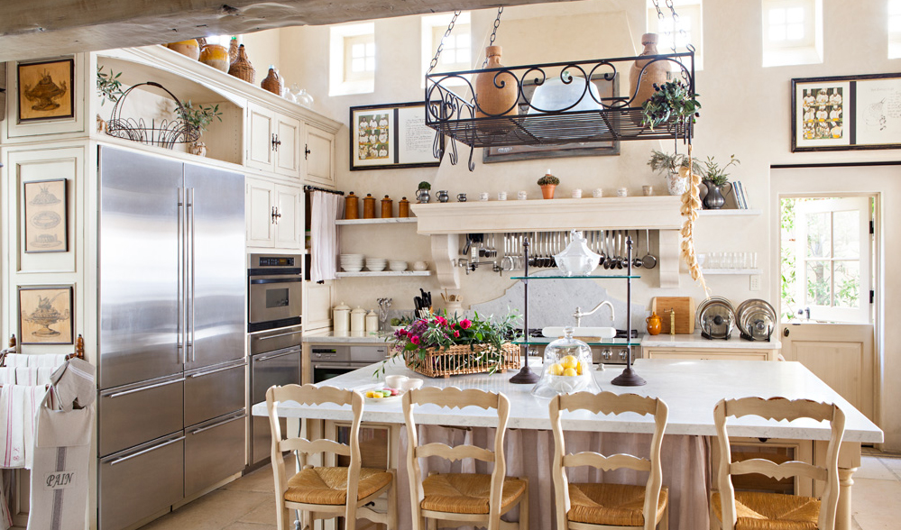 French Country Kitchen | Romantic Homes Magazine